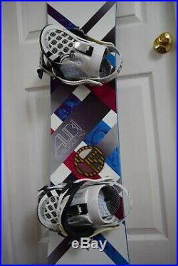 Alibi Rouge Snowboard Size 140 CM With Medium Ride Bindings