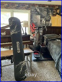 Mens Snowboard Camp Seven Roots 159 cm with great binds and snow stomper