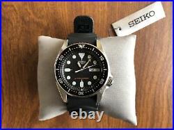 Seiko SKX013 Automatic Diver's 200m UNWORN ALL-ORIGINAL MINT COND. W TAGS, BOX