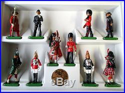W. Britain Collection All the Queens Men 10 Figuren Art. No. 8007 RAR & MINT BOX